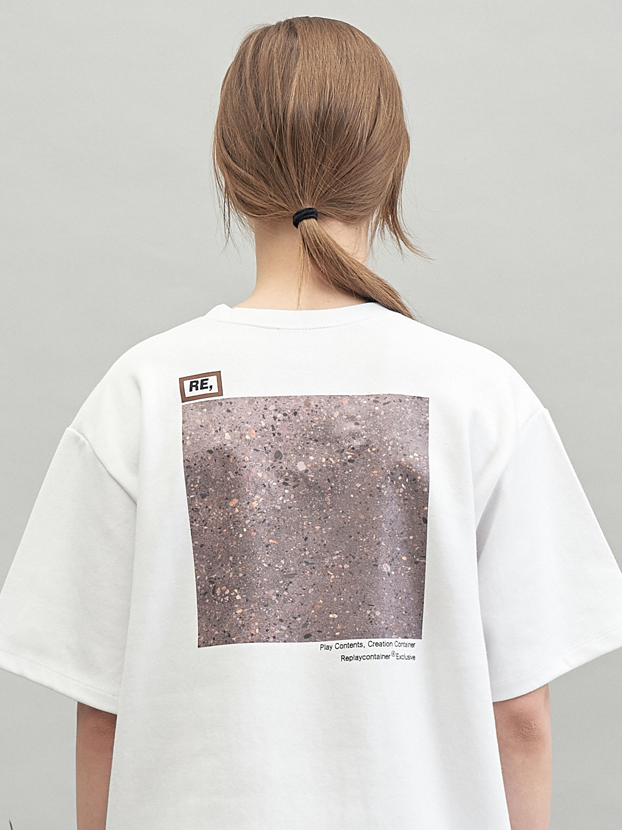 RE square campaign half tee (granite)