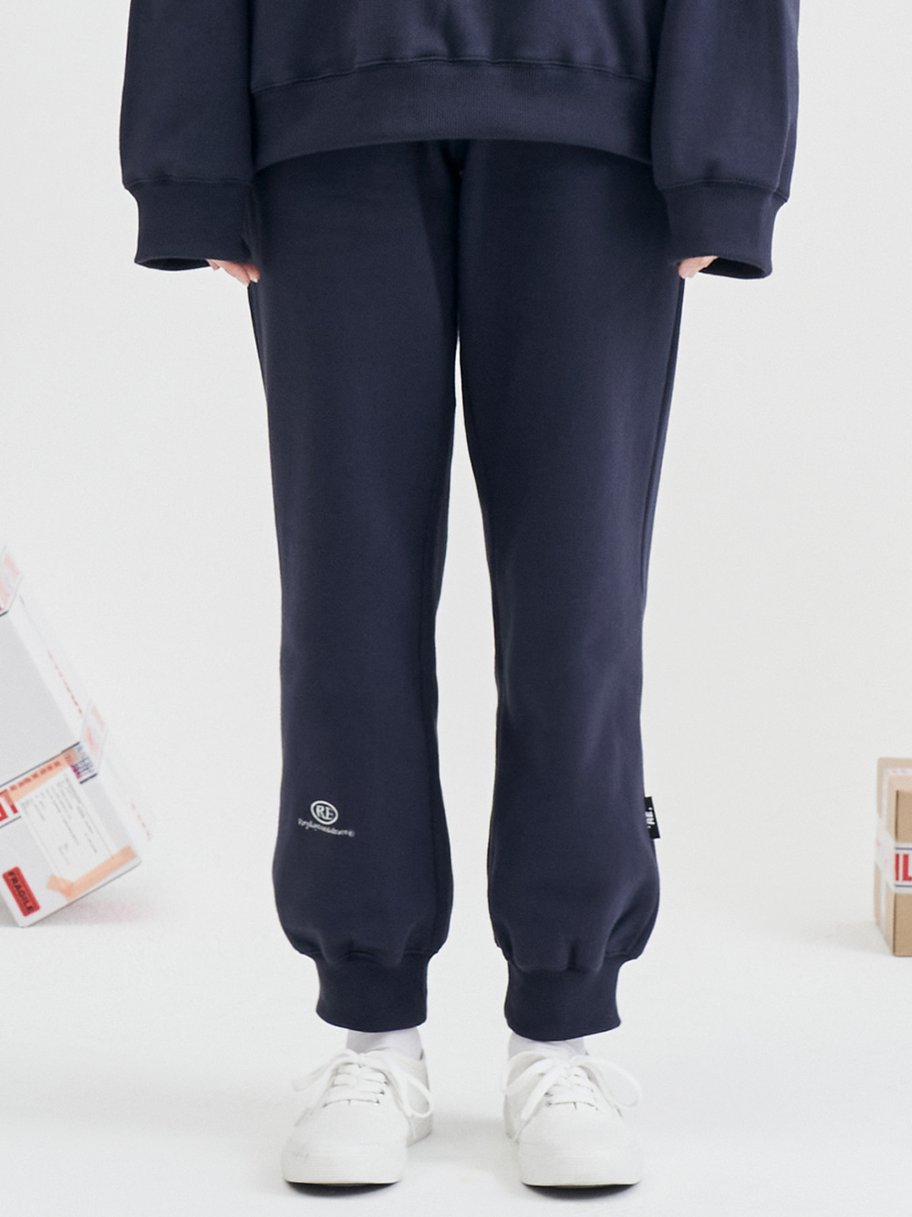 RE capsule logo jogger pants (navy)