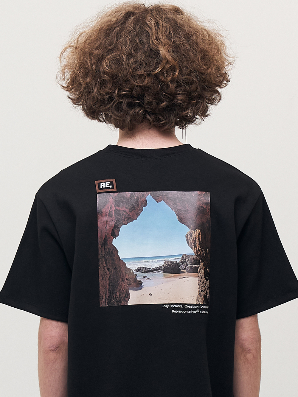 RE square black campaign half tee (cave)