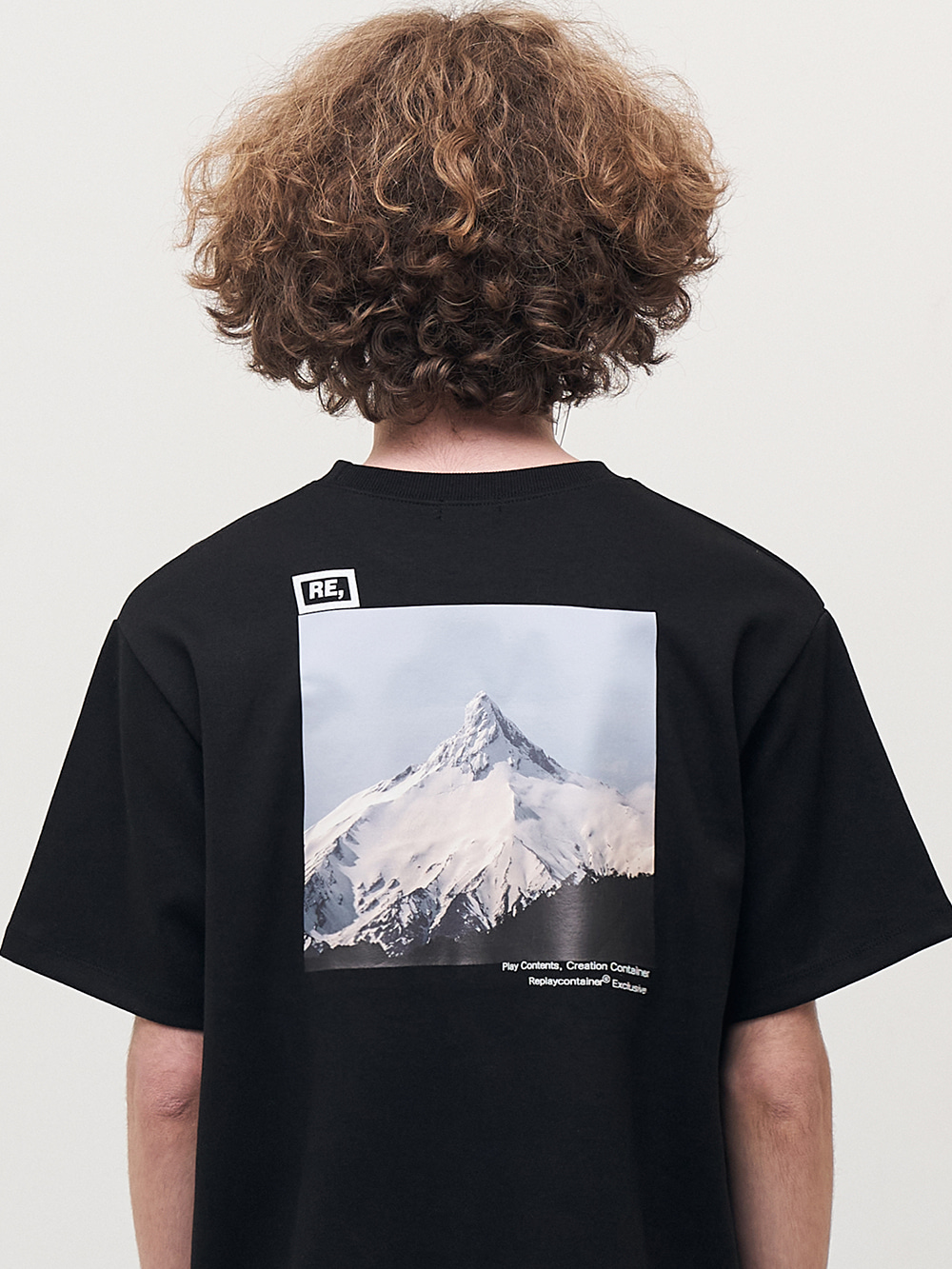 RE square black campaign half tee (snow mountain)