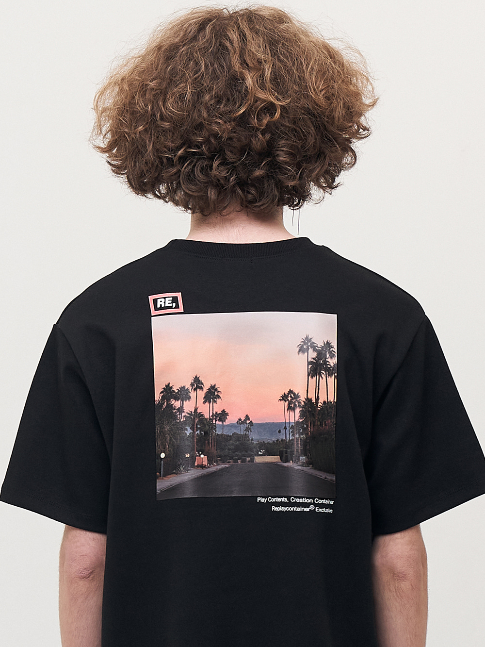 RE square black campaign half tee (sunset)